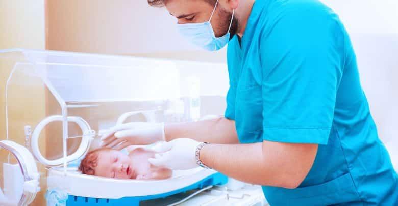 El rol de enfermería en la prevención de la retinopatía del prematuro | Océano Medicina