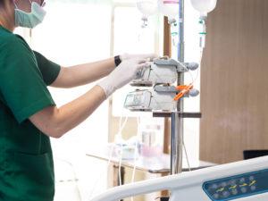 ¿Es recomendable el control estricto de la hiperglucemia en un paciente con accidente cerebrovascular isquémico? | Océano Medicina